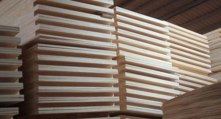 Exportation du bois, du bambou, des parquets en bois massif et blocs portes