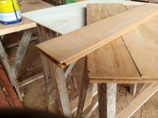 PARQUETS EN BOIS MASSIF IROKO – Cameroun
